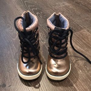 Toddler rose gold boots